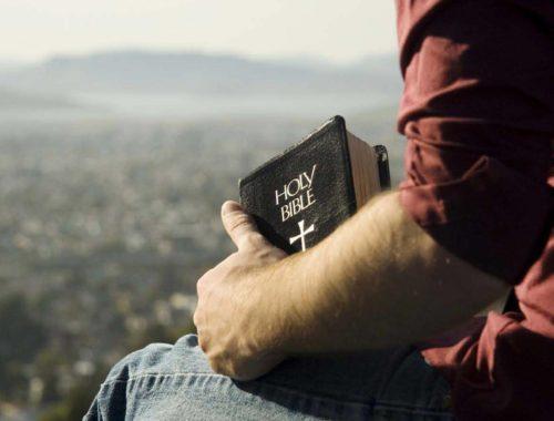 Elolvastam a Bibliát című cikk borítóképe