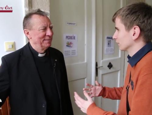 Ilyen a püspök egy napja – VIDEÓ! című cikk borítóképe