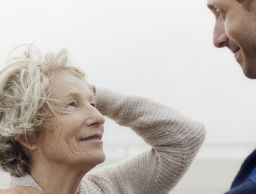 A felesége megkérte, hogy randizzon egy másik nővel. A világ legjobb ötlete volt. című cikk borítóképe