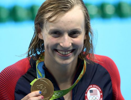 Hitéről vallott az amerikaiak világklasszis úszója című cikk borítóképe
