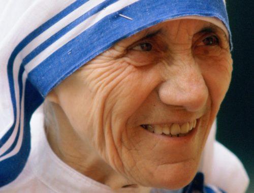 Teréz anya imája – Nyisd fel szemünket… című cikk borítóképe