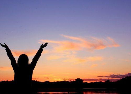 Napi zene – Hálaadás a szeretetért című cikk borítóképe