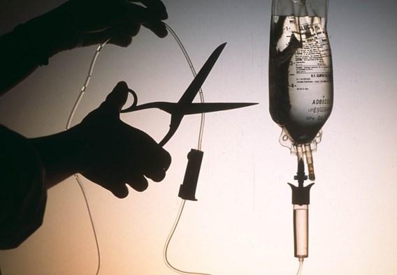 Szerelmi bánat volt az ok az eutanáziára - bíróság elé állhat az orvos