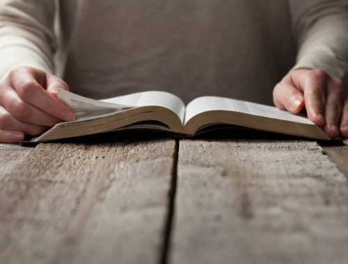4+1 módszer, ahogy inkább NE olvasd a Bibliát című cikk borítóképe