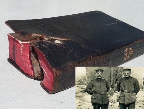 A katona, akinek életét a Biblia mentette meg című cikk borítóképe