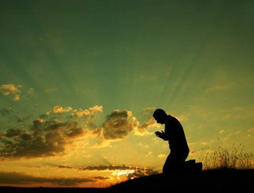 Van összefüggés a vérmérséklet és az imádság között? – Imádság és lelkialkat című cikk borítóképe