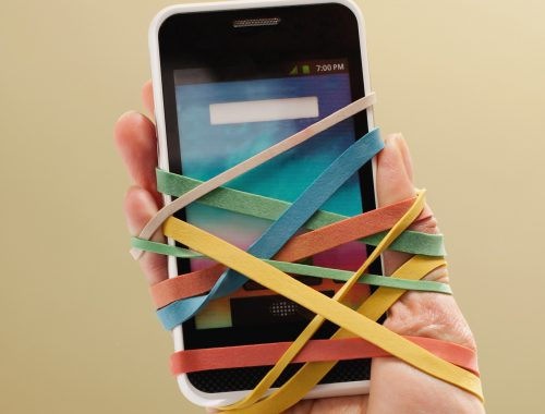 Te is telefonfüggő vagy? Itt a megoldás! című cikk borítóképe