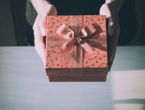 Te mit szeretsz inkább: az ajándékot, vagy az Ajándékozót? című cikk borítóképe