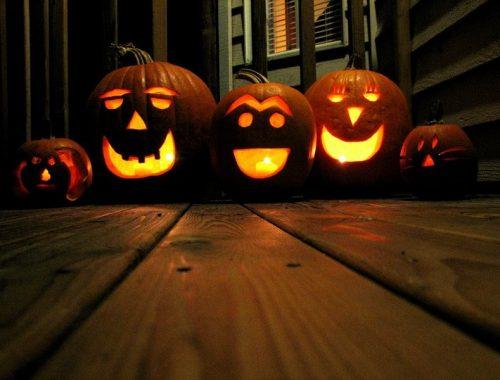 Halloween a fejekben című cikk borítóképe