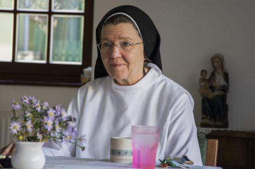 """""""A lényeg az, hogy az ember tudja önmagát és az életét Jézus kezébe adni."""" – interjú Baritz Sarolta Laura domonkos nővérrel"""