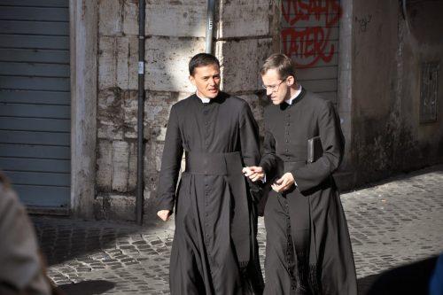 Mi a baj a reverenda hordásával?