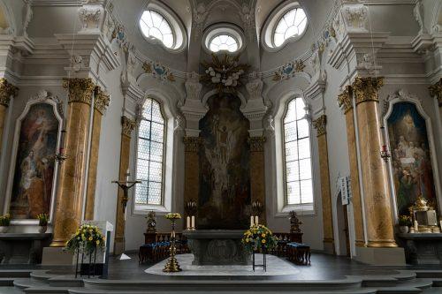 A papokról és a politikáról - 3 pontban