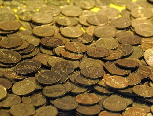 Mennyi pénzt dobjak a perselybe? című cikk borítóképe