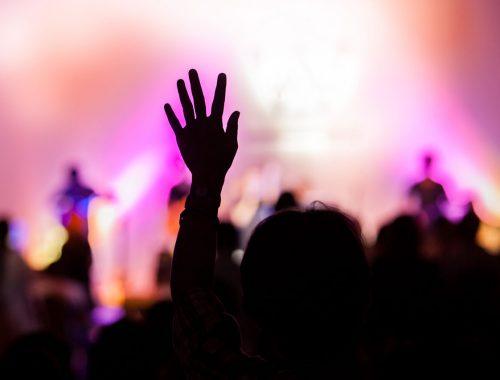 #csakegygondolat – Hányfelé figyel Isten egyszerre? című cikk borítóképe