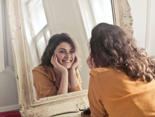 Önbizalom-növelés? című cikk borítóképe