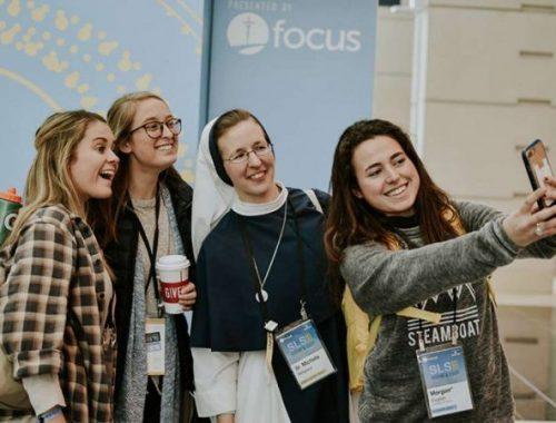 4 dolog amit egyetemistáktól tanulhatunk az imádságról című cikk borítóképe