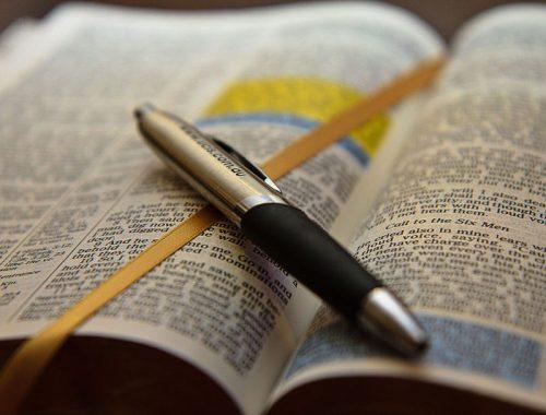 10 mondat, amivel szeretetre tanít a Biblia című cikk borítóképe