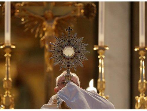 Négy megmagyarázhatatlan Eucharisztikus csoda című cikk borítóképe