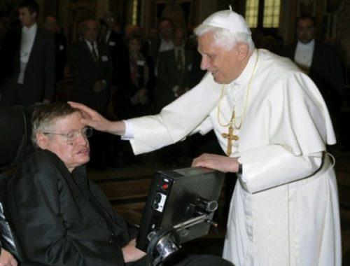Hawking már tudja a választ című cikk borítóképe