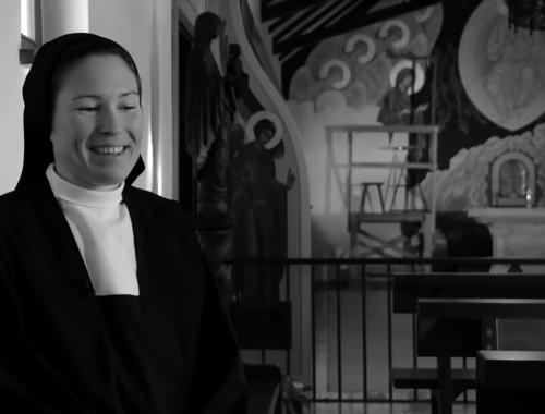 Partyarcból apáca – remek portréfilm Sára nővérről – VIDEÓ című cikk borítóképe