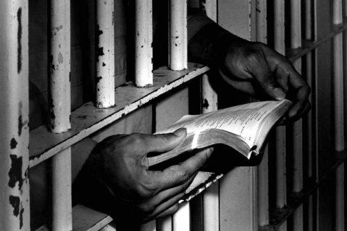 A börtön ablakába is besüt a nap – így kap reményt egy tényleges életfogytiglanra ítélt
