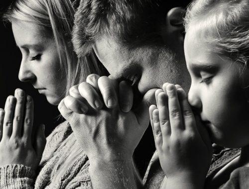 Szent Teréz okos tanácsa, ha nem tudsz figyelni ima közben című cikk borítóképe