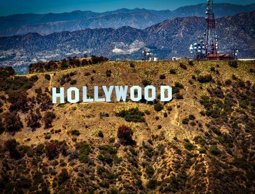 10 Hollywoodi sztár, aki felvállalja a hitét című cikk borítóképe