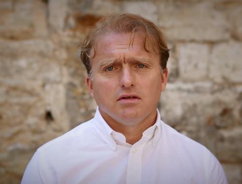 Fájdalmasan gyönyörű történetet mesélt el Lackfi János – VIDEÓ című cikk borítóképe