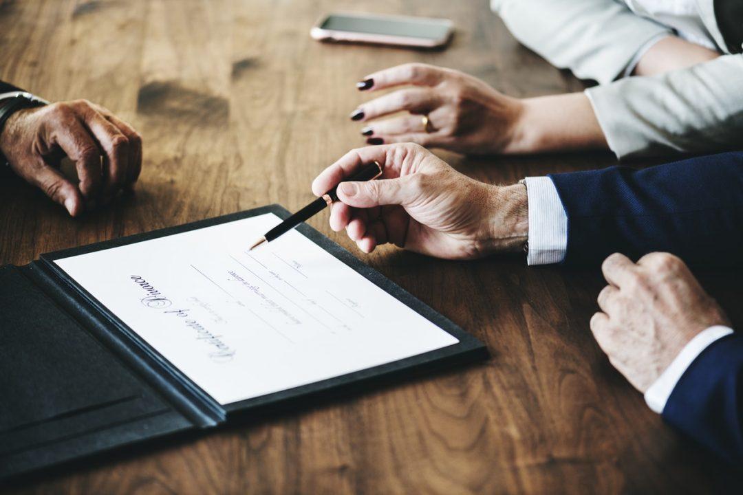 Az ügyvéddel való randevúzás nehéz