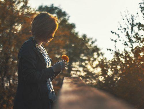 Egy fiatal lány megrázó tanúságtétele a szívműtétét követő érzelmi gyógyulásról című cikk borítóképe