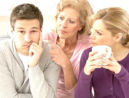 10 ötlet, hogy jobb legyen a kapcsolatod az anyósodékkal című cikk borítóképe