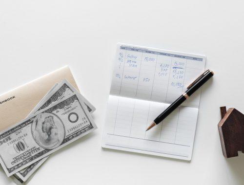 Mennyi pénzt kellene adnom az egyháznak? című cikk borítóképe