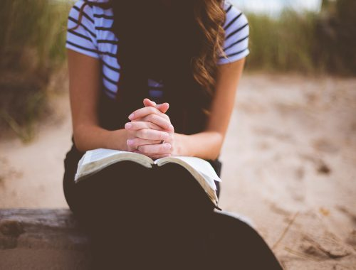 Keresztény vagyok egy nem keresztény világban című cikk borítóképe