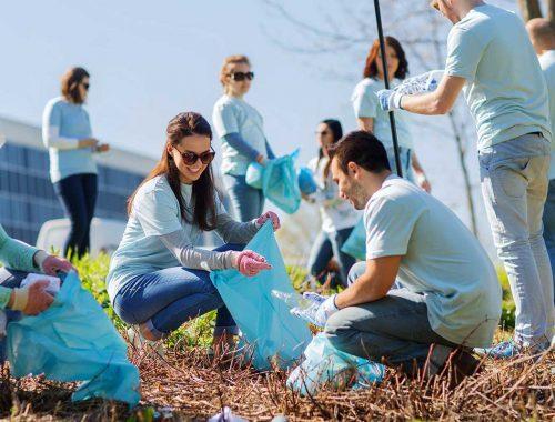Miért jó önkénteskedni? című cikk borítóképe