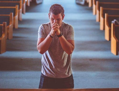Kinek is van szüksége az imára? című cikk borítóképe