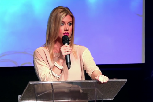 Megkérték a szépségkirálynőt, hogy ne mondja ki Jézus nevét a műsorban - példamutatóan reagált