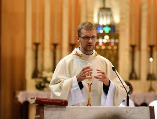 """""""Legyen idő a lelkünkre"""" – Hodász András atya adventi üzenete című cikk borítóképe"""