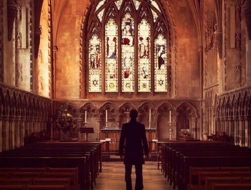 Nem szeretsz templomba járni? Válasz a tíz leggyakoribb kifogásra! című cikk borítóképe