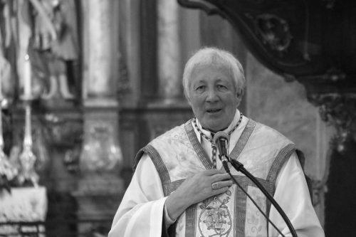 """""""Aki Isten mellett dönt, mindig jól dönt"""" - Stella Leontin"""