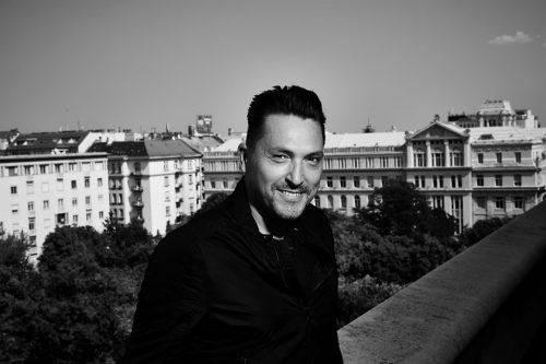 """""""Mélyen hinni a magasságban"""" - interjú Ákossal"""