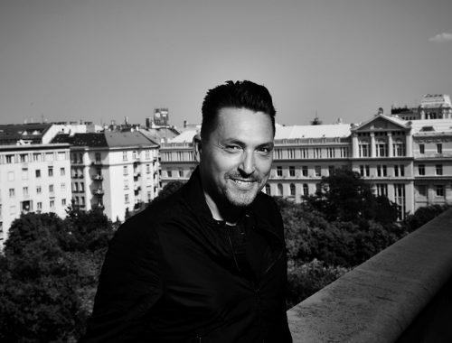 """""""Mélyen hinni a magasságban"""" – interjú Ákossal"""