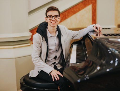 """""""A zenén keresztül teszek tanúságot a hitemről"""" – interjú Boros Misivel"""