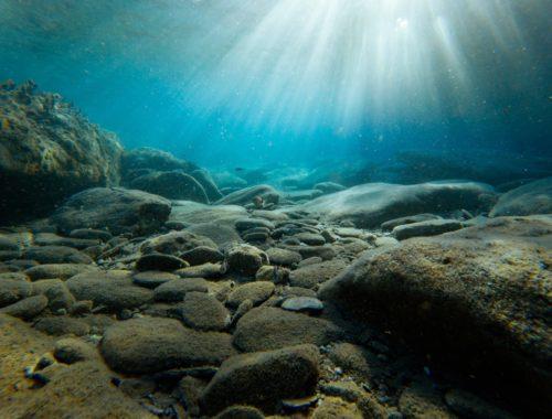 Mélységben, megtart hited