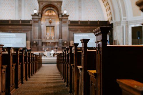 Reményik Sándor: Üres templomban