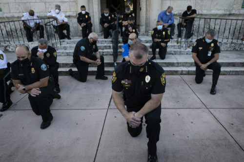 Az amerikai tüntetések egyik legerősebb fényképe